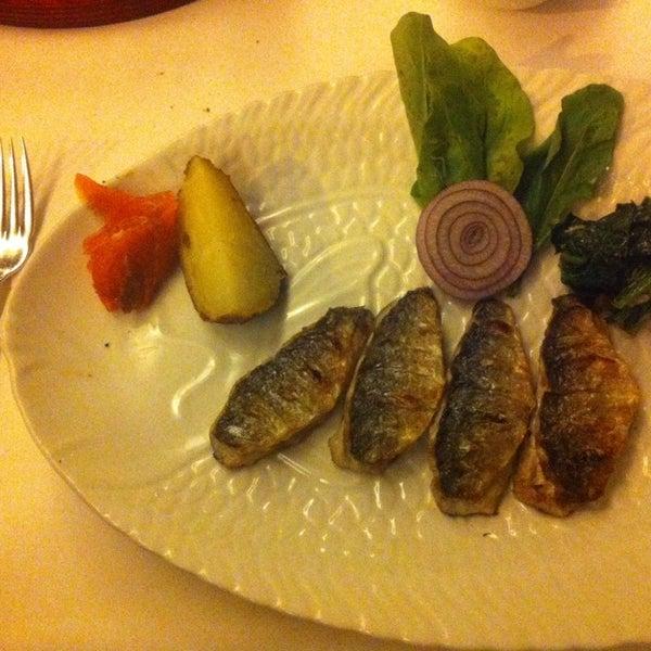 11/17/2014 tarihinde Hasan K.ziyaretçi tarafından Kalkan Balık Restaurant'de çekilen fotoğraf
