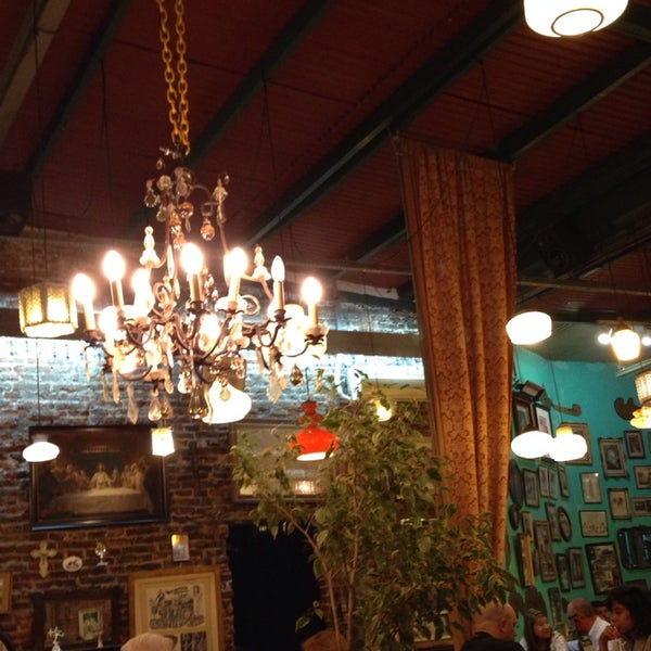 Photo taken at El Oso Sala La Sopa by Gas G. on 12/1/2013