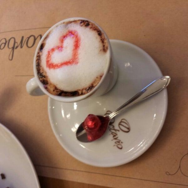 Foto tirada no(a) Florbela Café por Javier L. em 3/22/2014