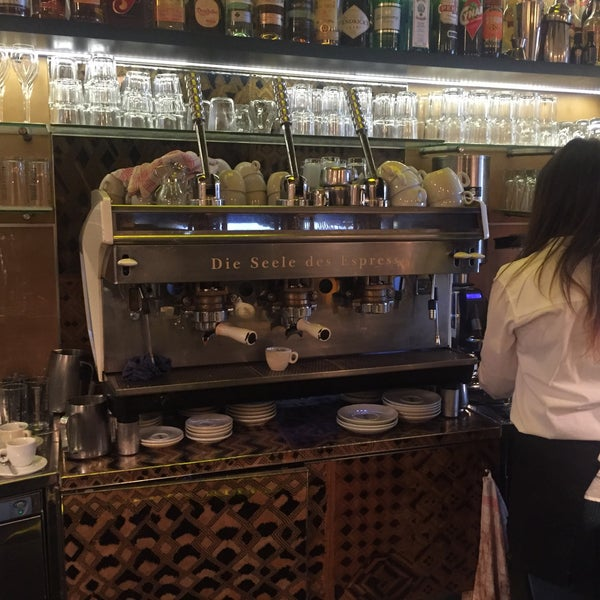 Espresso top, nette Bedienung, sehr klein aber fein.