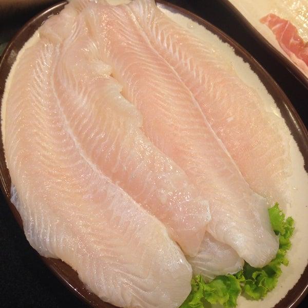 เนื้อปลาดอลลี่สดๆแน่นๆ. Dolly fish was so fresh!! 👍