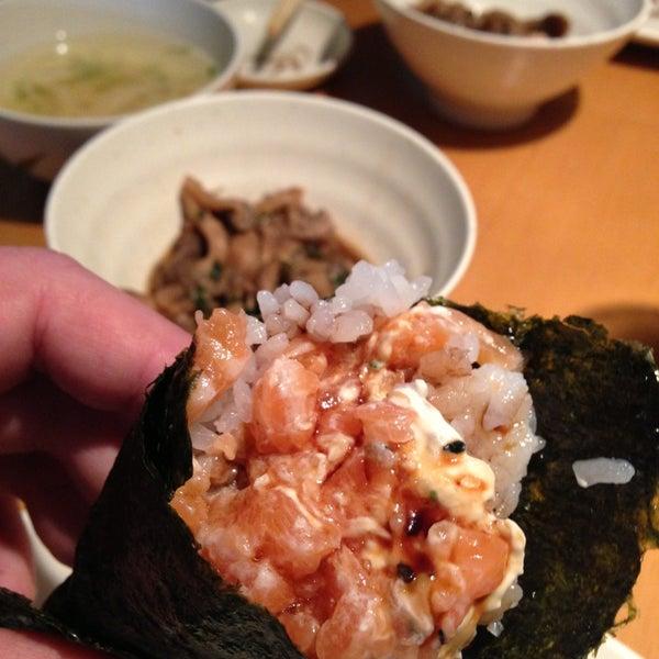 Foto tirada no(a) Sushi Koba por Hugo L. em 7/4/2013