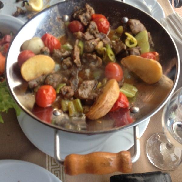 Photo taken at Körfez Aşiyan Restaurant by Emre D. on 6/7/2015