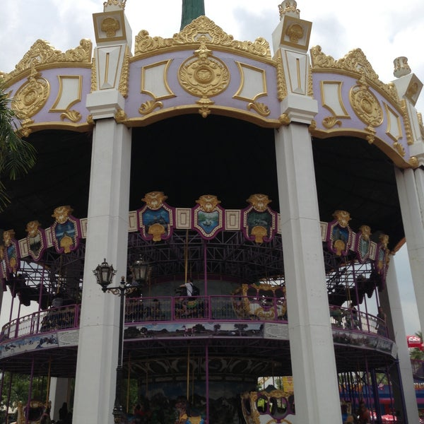 Photo taken at Siam Park City by Sathaporn B. on 4/24/2013
