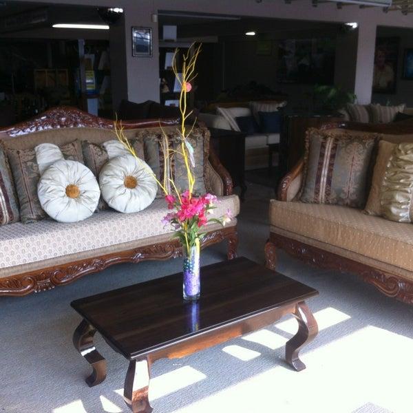 Muebles rolando herrera tienda de muebles art culos para for Muebles de tailandia