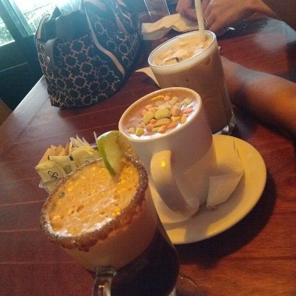 Foto tomada en Rico's Café Zona Dorada por Adonay F. el 6/15/2014