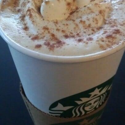 Photo taken at Starbucks by Wil T. on 10/14/2012