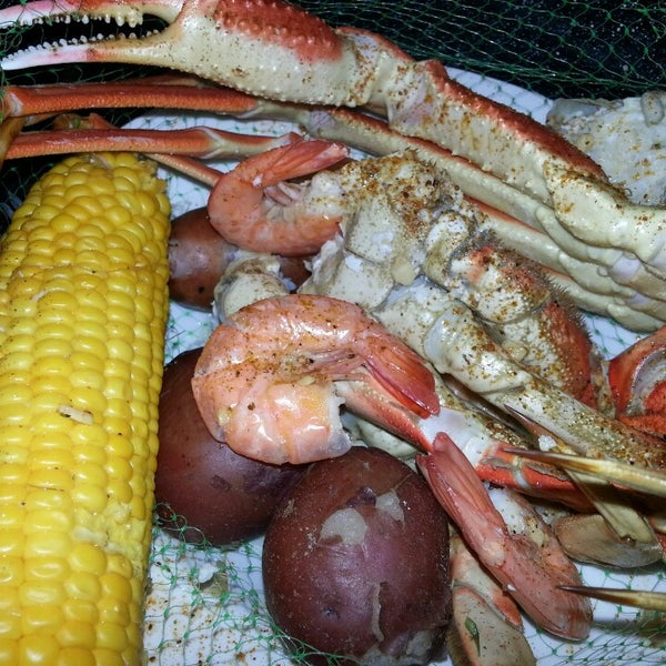 Joe 39 s crab shack now closed 10250 technology blvd e for Two fish crab shack