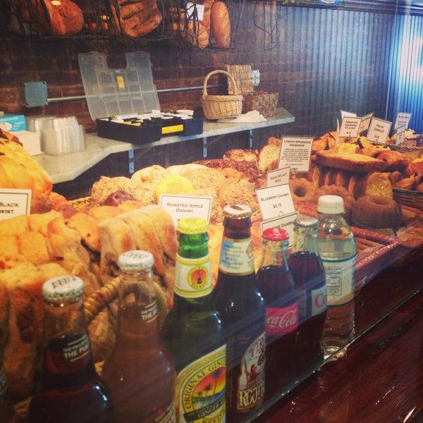 Foto tomada en Amy's Bread por Angelina C. el 5/13/2013