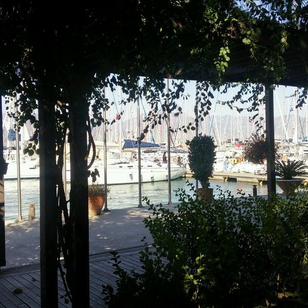 9/30/2016 tarihinde Utku K.ziyaretçi tarafından Mod Yacht Lounge'de çekilen fotoğraf