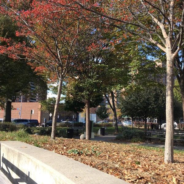 Das Foto wurde bei MacDonald Park von Rita ✨. am 11/15/2017 aufgenommen