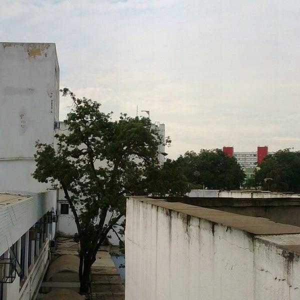 Photo taken at Escola de Engenharia - UFF by Bruno L. on 5/16/2013