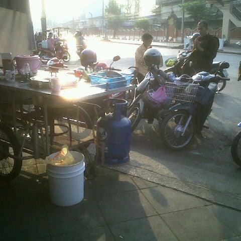 Photo taken at วัดดอนตูม บ้านโป่ง by Varit N. on 3/16/2013