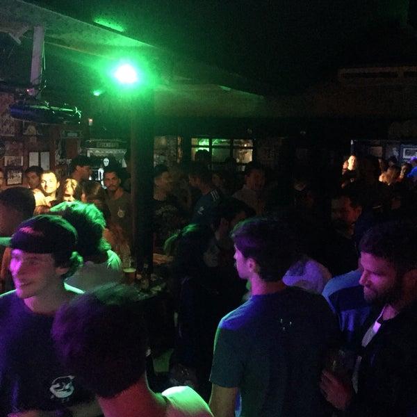 Foto tirada no(a) Liverpub Vitória por Renato C. em 6/2/2017