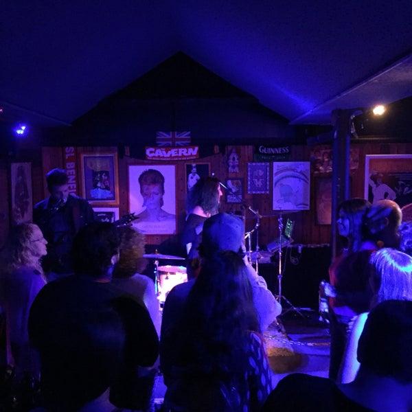 Foto tirada no(a) Liverpub Vitória por Renato C. em 7/30/2017