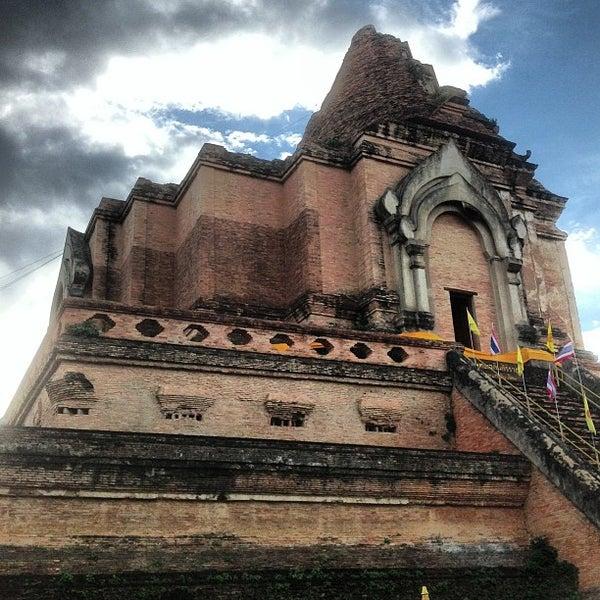 Photo taken at Wat Chedi Luang Varavihara by Suttirat K. on 7/21/2013