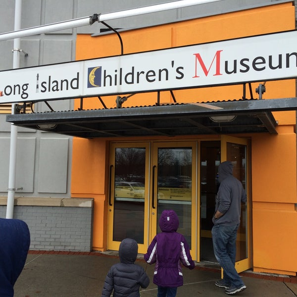 Photo taken at Long Island Children's Museum by Gil G. on 12/29/2015