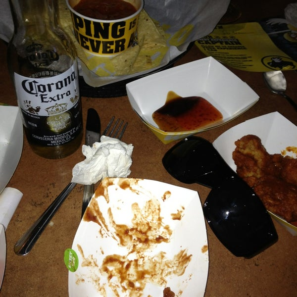 Photo taken at Buffalo Wild Wings by Jacobo R. on 8/21/2013
