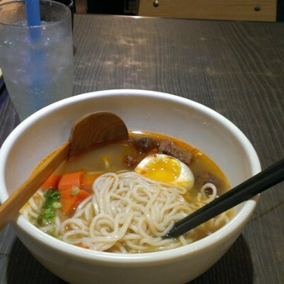 Photo taken at Dong's Beef Noodles 董家台灣牛肉麵 by Benny Y. on 7/4/2012