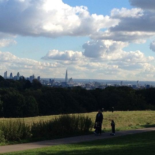 10/14/2012 tarihinde Martin C.ziyaretçi tarafından Hampstead Heath'de çekilen fotoğraf