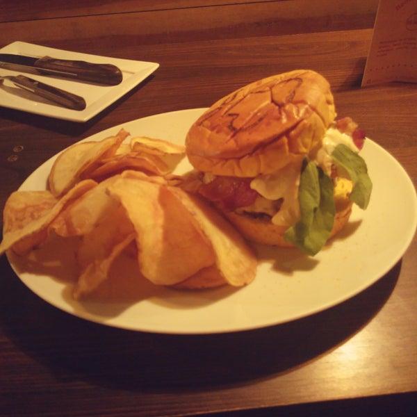 O novo Benedict Burger é bem gostoso