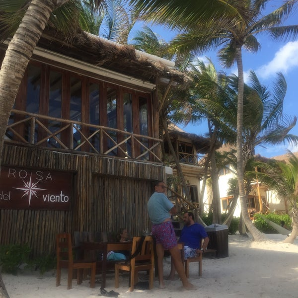 Gorgeous beach with great food and service
