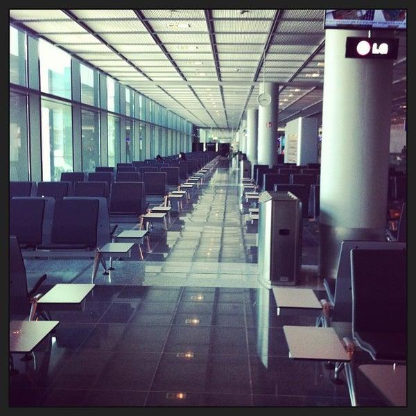 Das Foto wurde bei Frankfurt Airport (FRA) von Dennis G. am 7/10/2013 aufgenommen