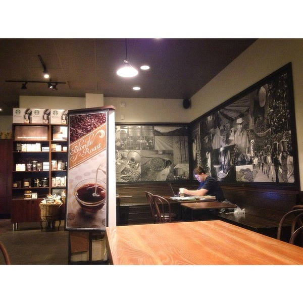 Photo taken at Starbucks by Ya K. on 2/3/2013