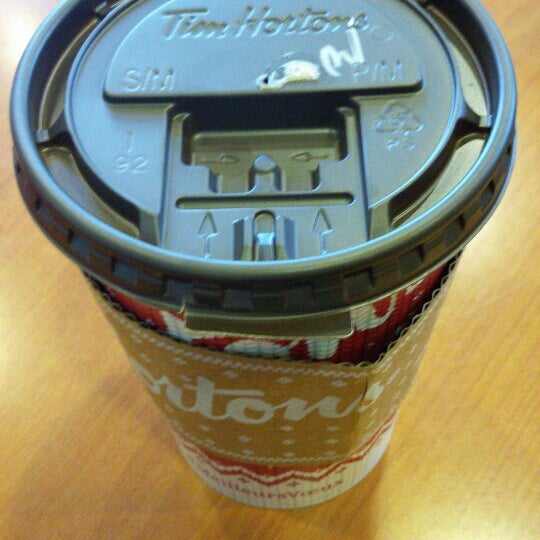 Photo taken at Tim Hortons by Henrique on 11/30/2015