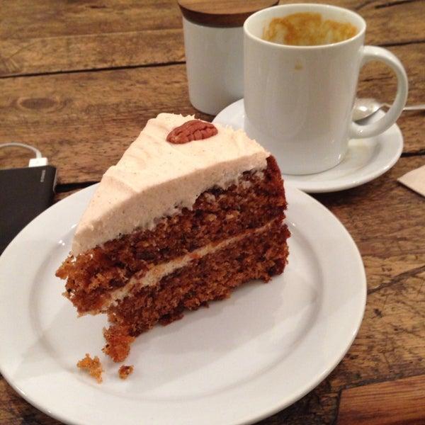 Carrot cake and caramel latte.