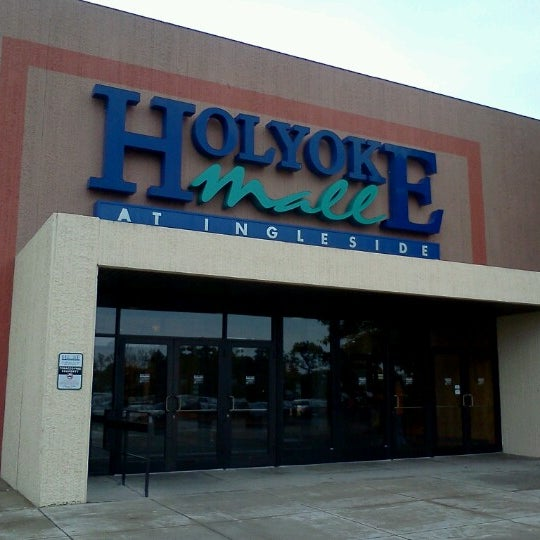 At Holyoke Mall you'll find an impressive selection of nearly retail stores, services and restaurants such as Macy's, Target, Apple, Pottery Barn, Billy Beez, and Sumo Japanese Steakhouse to make your experience a truly exceptional one!