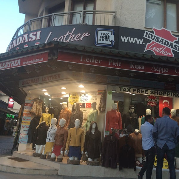 Foto tirada no(a) Kusadasi Leather por T C Hakan A. em 10/15/2015