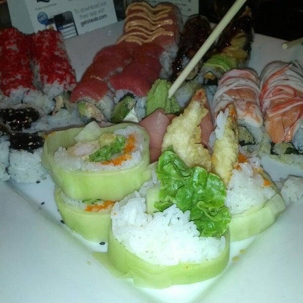 Photo prise au Sushi O Bistro par Michelle F. le5/5/2013