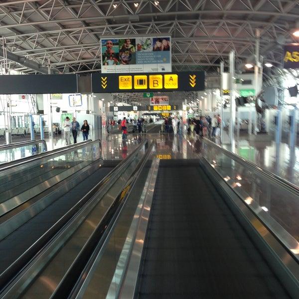 Снимок сделан в Брюссельский аэропорт (BRU) пользователем Sofie B. 7/15/2013