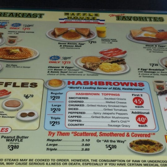 Photo taken at Waffle House by Kelli D. on 10/12/2014