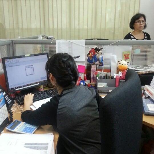 Photo taken at LEWA NIKKISO SINGAPORE PTE LTD by Amos on 10/10/2012