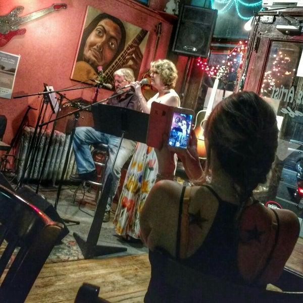 Starving Artist Cafe City Island Bronx