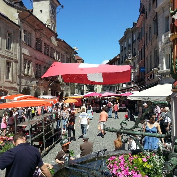 Where's Good? Holiday and vacation recommendations for Lausanne, Switzerland. What's good to see, when's good to go and how's best to get there.