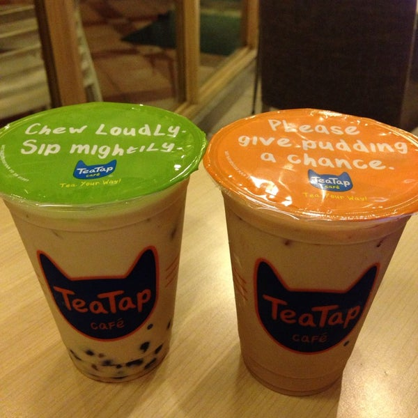 11/8/2014 tarihinde Jasper T.ziyaretçi tarafından TeaTap Cafe'de çekilen fotoğraf