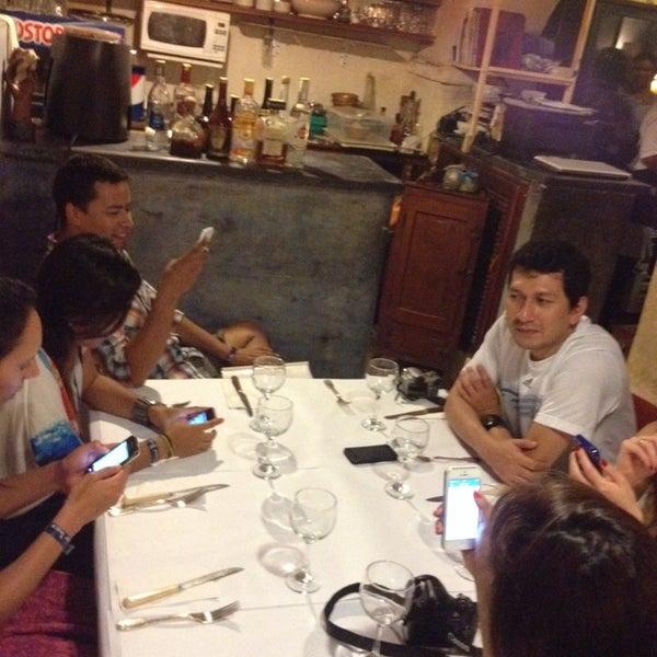 Foto tomada en Donde Olano Restaurante por Kris G. el 11/15/2013