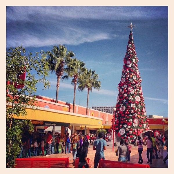 Foto tomada en Plaza del Sol por Halex D. el 12/16/2012