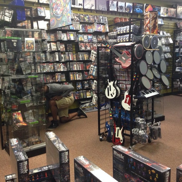 Photo taken at Game Over Videogames by Jessica R. on 5/11/2014