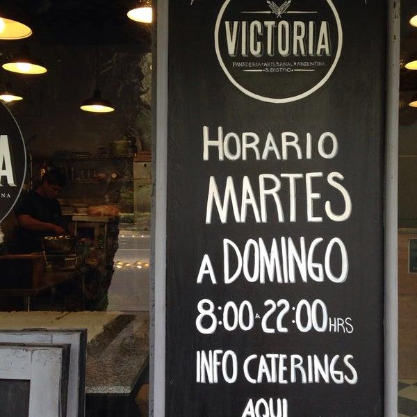 Foto tomada en Panaderia La Victoria por YOLANDA L. el 1/11/2014