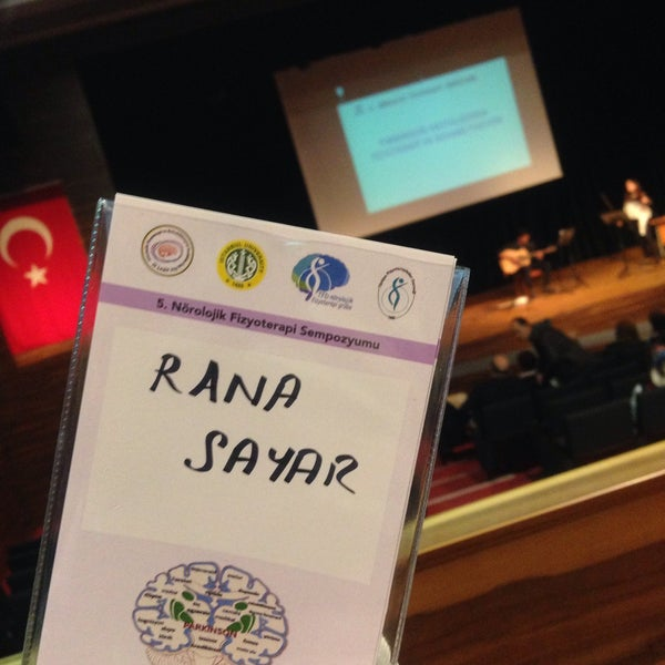 4/13/2017 tarihinde Rana S.ziyaretçi tarafından İstanbul Üniversitesi Kongre Kültür Merkezi'de çekilen fotoğraf