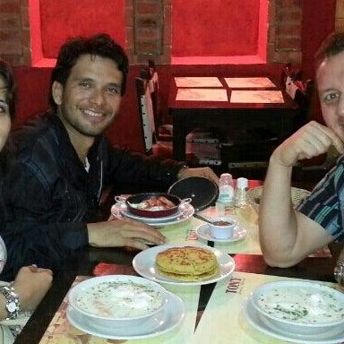 Foto tomada en Restaurante Tony por Nathalia B. el 4/22/2013