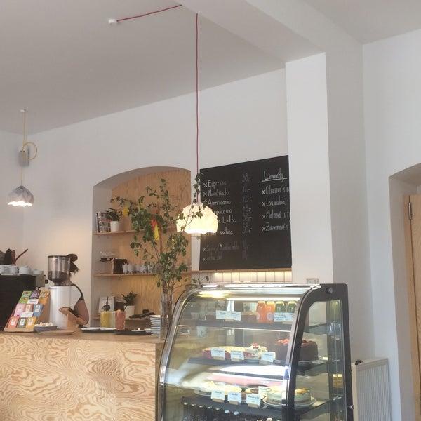 Foto diambil di Mikyna Coffee & Food Point oleh Petra C. pada 4/17/2017