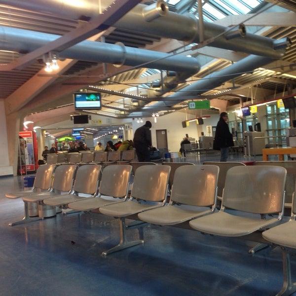 terminal d flughafen tegel txl airport