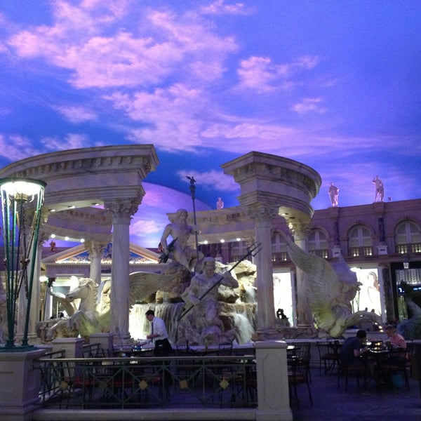 Photo taken at Caesars Palace Hotel & Casino by Stef on 4/19/2013