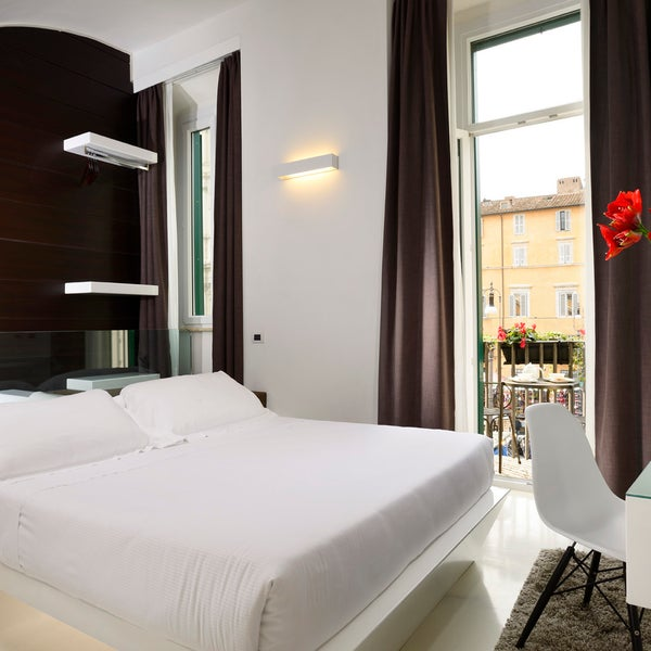 Navona luxury suites parione 2 tips for Hotel luxury navona