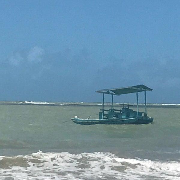 Foto tirada no(a) Praia de São Miguel dos Milagres por Anderson S. em 9/15/2017